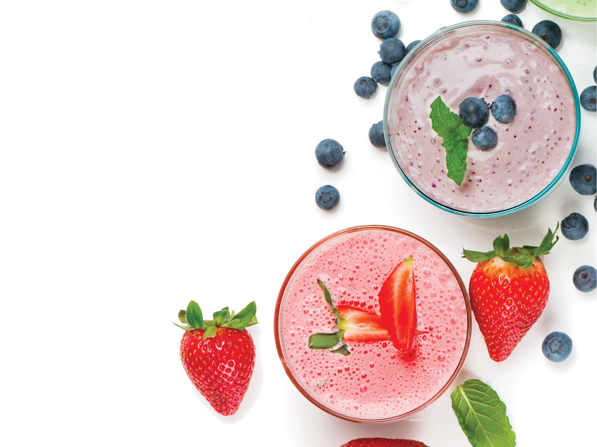 Smoothie bowl ideal au petit déjeuner à la fraise, banane et St Môret